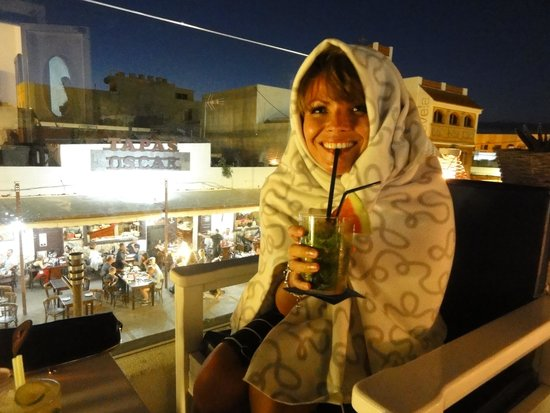 Kactus Café: Cold? dont worry here's a blankey