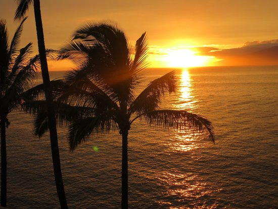 Noelani Condominium Resort : Beautiful Sunset from the Lanai