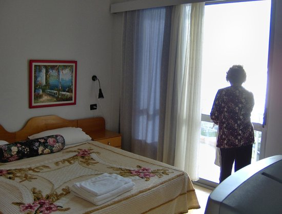 Seaside Saranda Hotel: Typical room