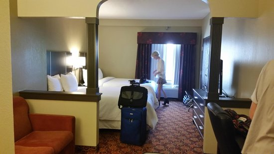 Brentwood Suites Hotel: Room