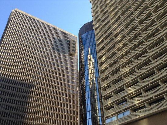 Hyatt Regency Atlanta: View of the Radius and Atrium towers