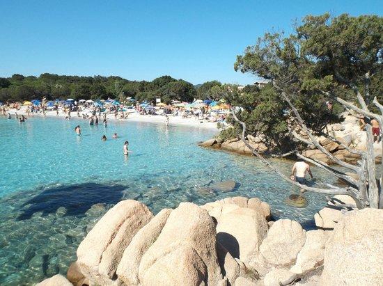 Arzachena, Italia: Spiaggia Capriccioli lato destro