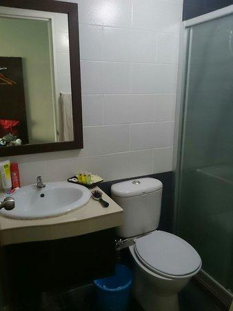 Sipadan Inn 2: Toilet