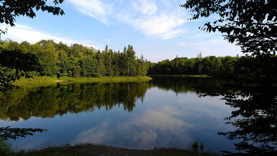 Lake Superior Provincial Park: CRESCENT LAKE CAMPGROUND