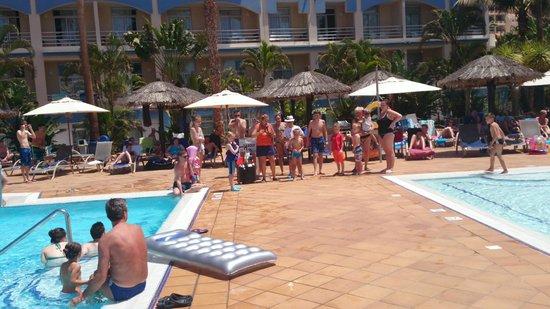 IFA Altamarena by Lopesan Hotels : JUEGOS PISCINA