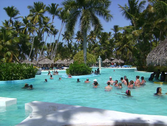 Meliá Caribe Tropical: poolside