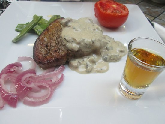 Amigos Restaurant and Roof Terrace: Steak and Jack