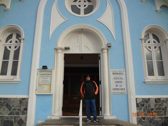 David na frente da Iglesia Candelaria.