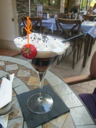 Amigos Restaurant and Roof Terrace: Death by Chocolate - Made on demand!