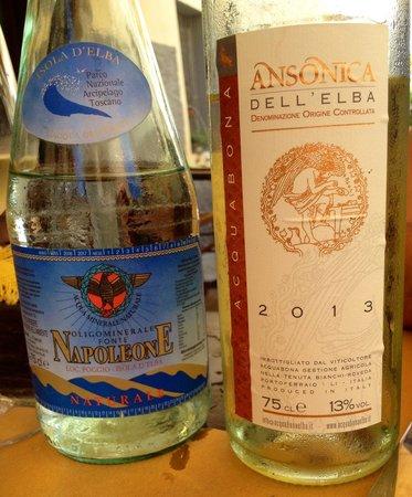 Osteria Pepenero: Acqua e vino più locali di così ....!!