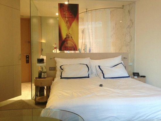 Media One Hotel Dubai : Chambre