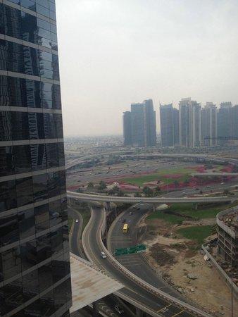 Media One Hotel Dubai : Vue de la chambre