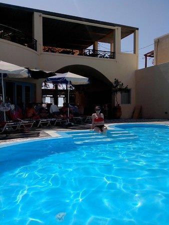 Levante Beach Hotel: Piscina e vista della terrazza della colazione