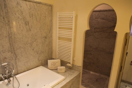 Riad Idra: Suite Bathroom