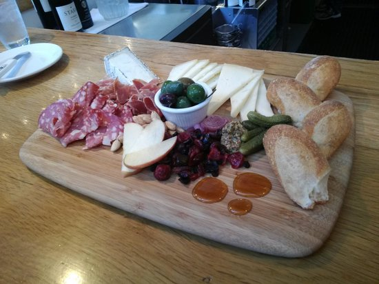 Oxbow Public Market : Cheese board at the Oxbow Cheese & Wine Merchant