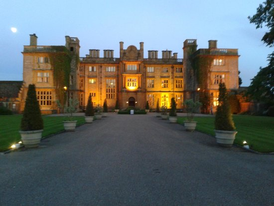 Eynsham Hall Hotel: Eynsham Hall when we arrived