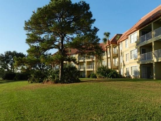 Parc Corniche Condominium Resort Hotel: un nardin muy lindo