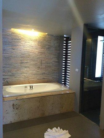 Maehaad Bay Resort : la baignoire balneo