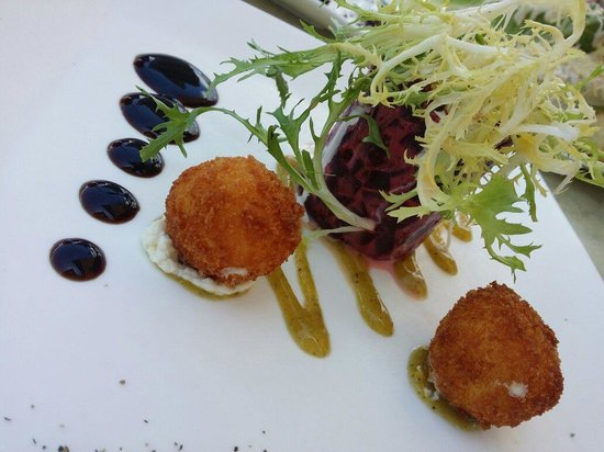 M Waterfront Grille: Beet Salad perfection