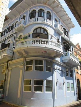 Magnolia Inn: Corner of Calle 8 and Calle Boquete