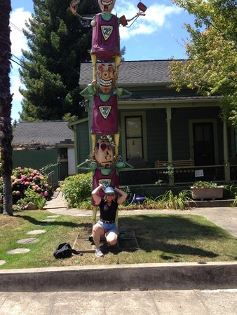 Florence Avenue: Julie poses with sculptures