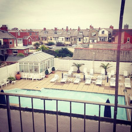 Doric Hotel: Outdoor pool