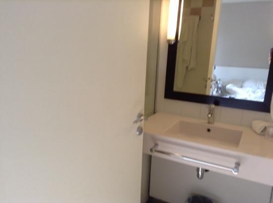 Ibis Styles Paris Gare de l'Est Chateau Landon: salle de bain