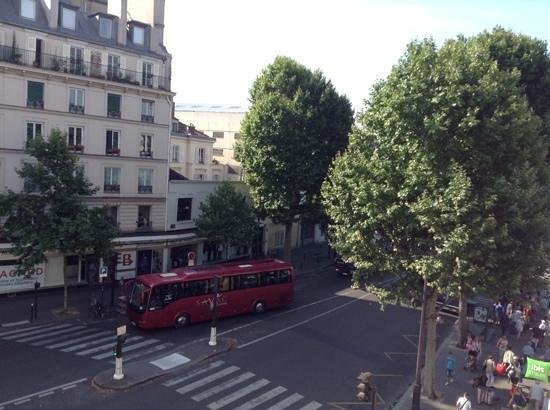 Ibis Styles Paris Gare de l'Est Chateau Landon: vue de la chambre