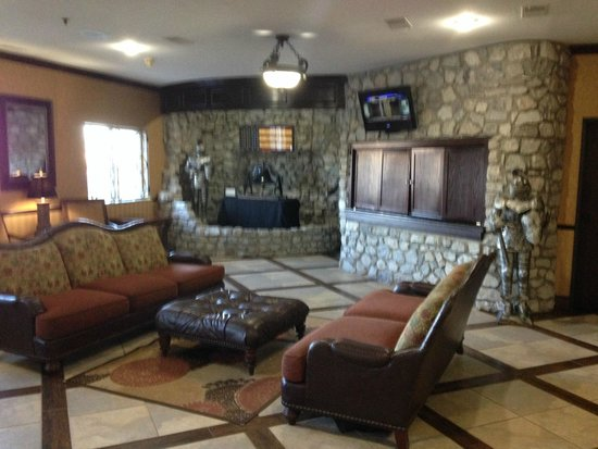 Stone Castle Hotel & Conference Center: the lobby
