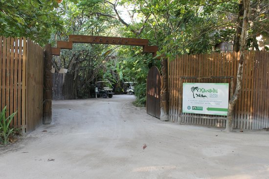 Xanadu Island Resort: Entrance