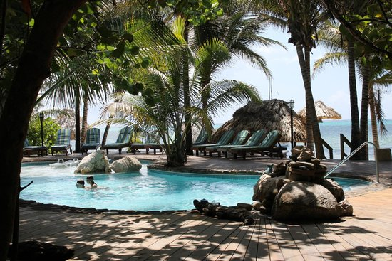 Xanadu Island Resort : Pool Area