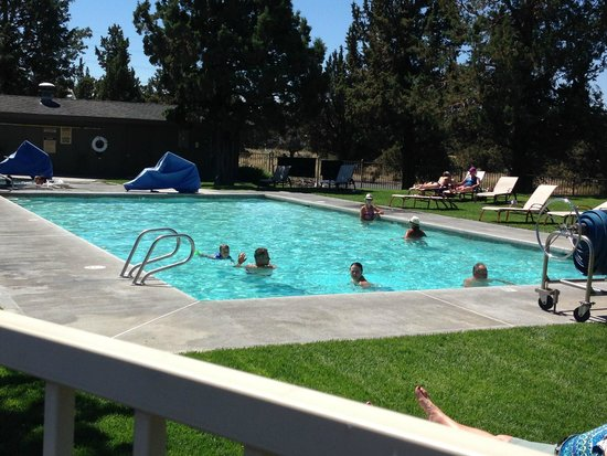 The Lodge at Eagle Crest : Lodge pool right outside the frot door.