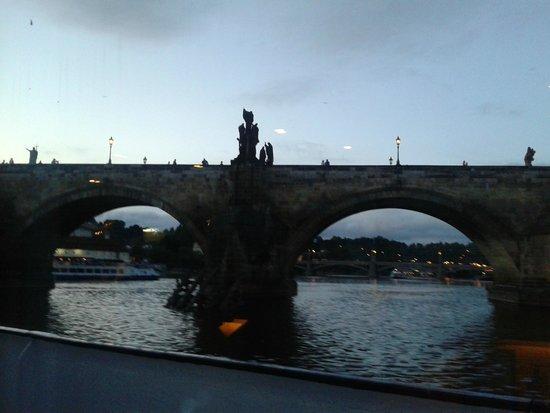 Premiant City Day Tour: Ponte Carlo dal battello