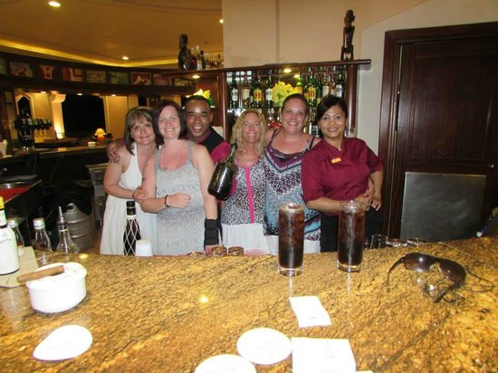 Majestic Colonial Punta Cana: Piano Bar with ODALIS and MARIA
