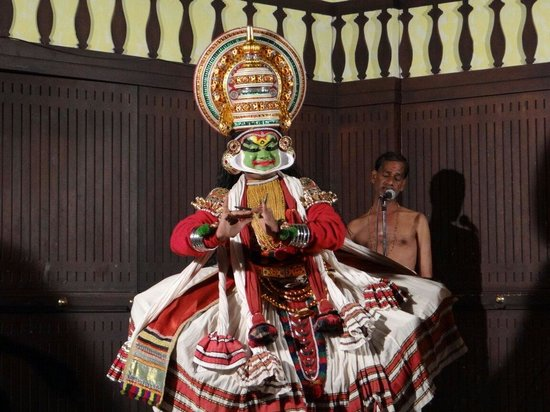 Greenix Village: Kathakali dancer