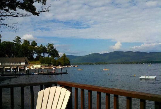 O'Connor's Resort Cottages: view from lakeside deck looking norht