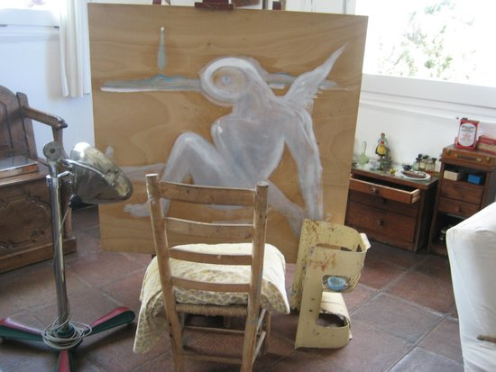 Maison et musée Salvador Dalí : This is the last unfinished painting by Dali - still on the easel in his Studio.