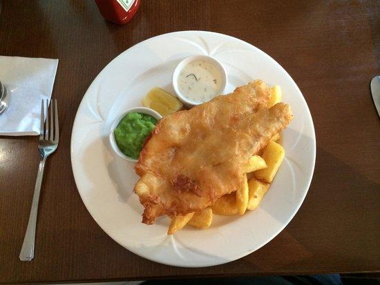 Edinburgh Marriott Hotel: Fish and chips