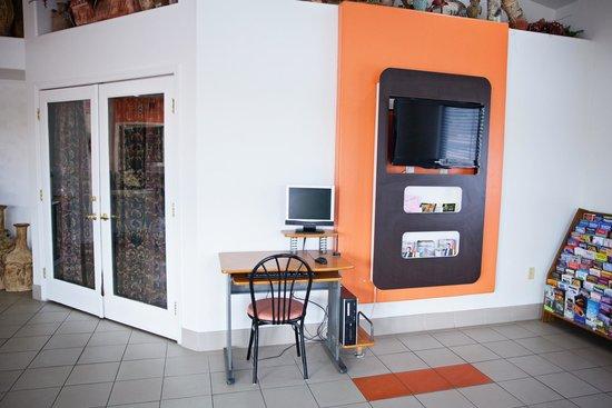 Motel 6 Tempe ASU: Lobby