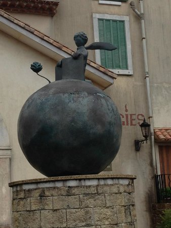 Little Prince Museum: Little Prince on top of the world