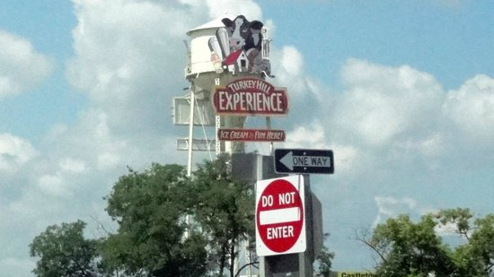 Turkey Hill Experience : BIG SIGN!