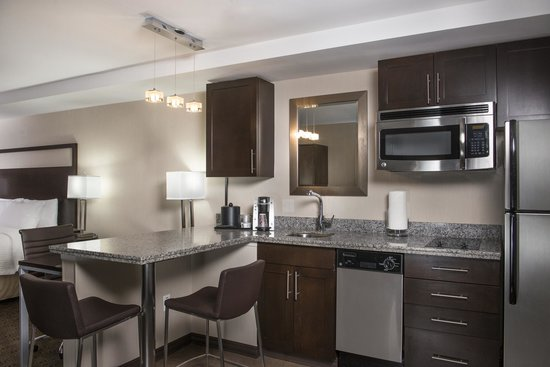 Fairfield Inn Boston Sudbury: Suite