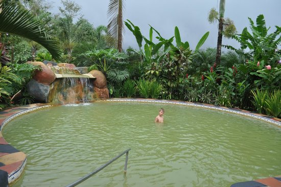 Blue River Resort & Hot Springs: L'eau thermale un peu sulfureuse, amis sans odeur