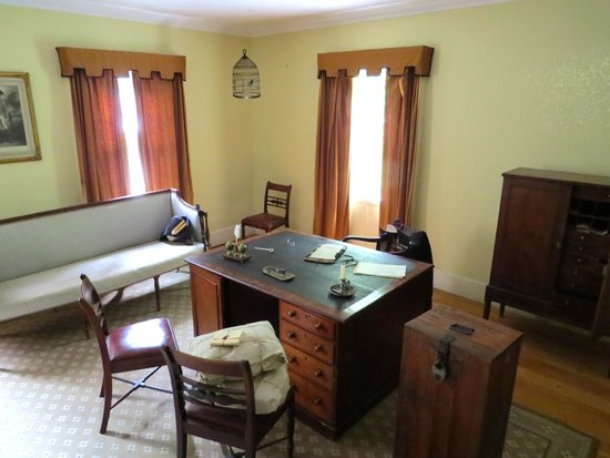 Commissariat House: Office