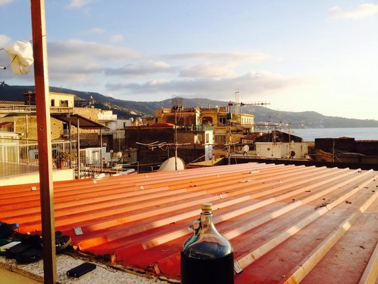 Bleu Village: Welcome to the Favela