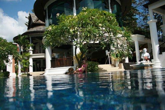 Dara Samui Beach Resort: бассейн