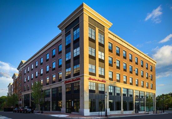 Hampton Inn & Suites Portsmouth Downtown : Exterior