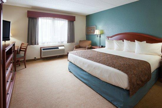 AmericInn Hotel & Suites St. Peter: room
