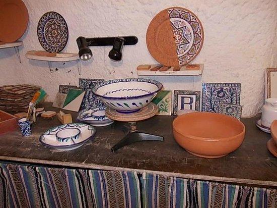 Museo Cuevas del Sacromonte: The pottery