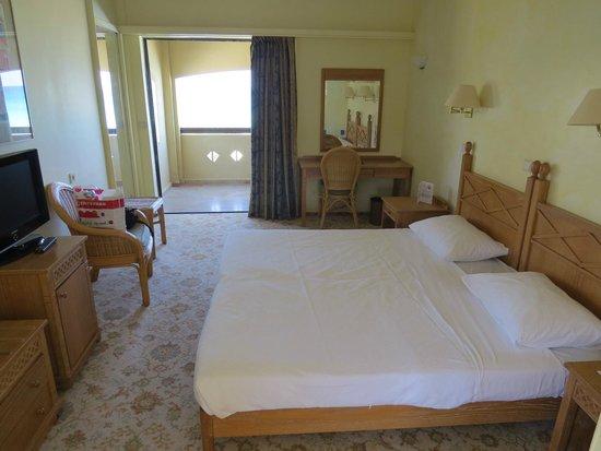 Aquila Rithymna Beach Hotel : спальня 616